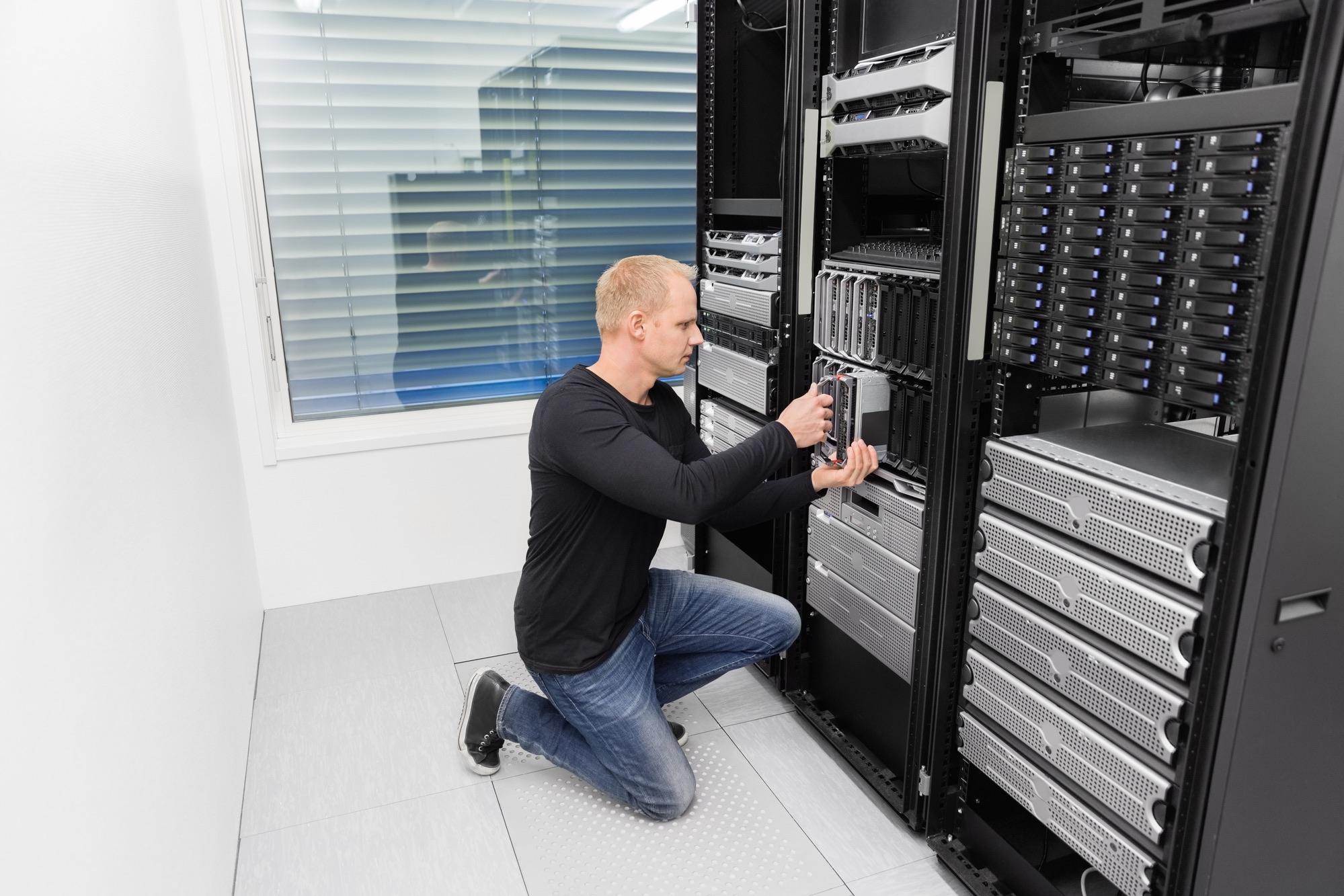 IT consultant working in datacenter